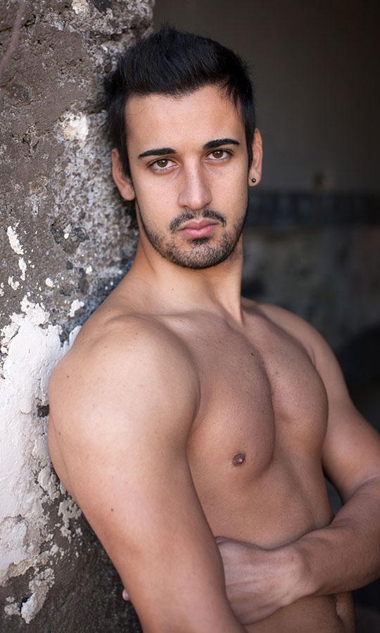 beau mec arabe nu gay minet soumis
